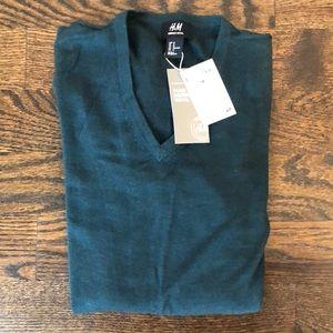 H&M Merino Wool V Neck Sweater Size M
